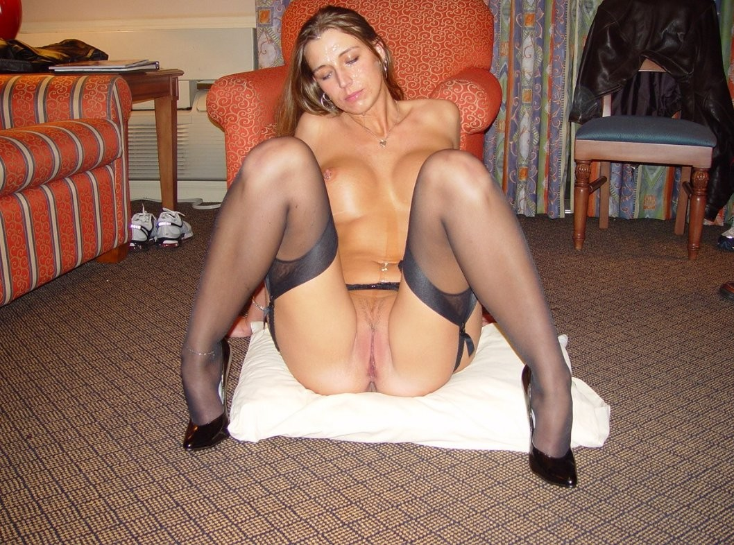 wife in pantyhose