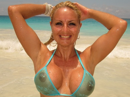 Hot Blonde In Hot Beachwear On A Hot Beach (1)
