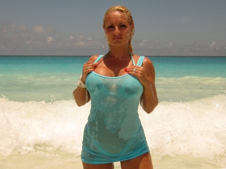 Hot Blonde In Hot Beachwear On A Hot Beach (2)