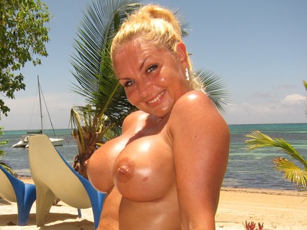 Hot Blonde In Hot Beachwear On A Hot Beach (3)
