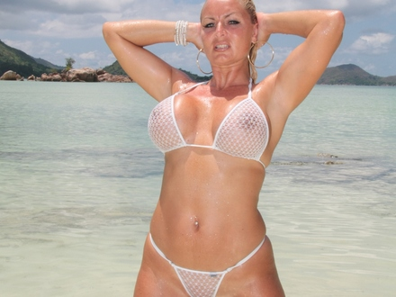 Hot Blonde In Hot Beachwear On A Hot Beach (5)