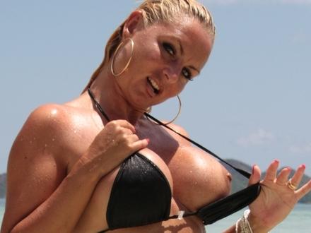 Hot Blonde In Hot Beachwear On A Hot Beach (7)