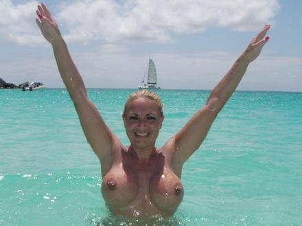 Hot Blonde In Hot Beachwear On A Hot Beach (8)