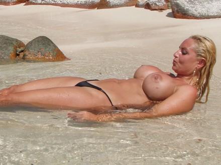 Hot Blonde In Hot Beachwear On A Hot Beach (13)